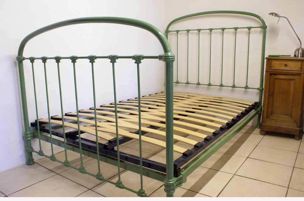 Antique French 4ft Green Iron Bed Includes Base