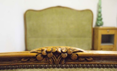 French Corbeille Bed – In Autumn Green Velvet
